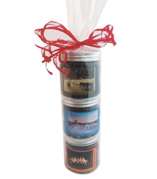 Theetoren met 3 soorten thee